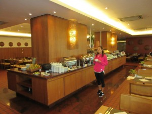 Breakfast buffet at the Caesar Business Hotel in Manaus.