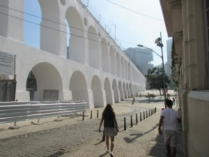Carlie walking near the Arcos de Lapa